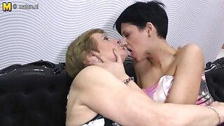 Granny pleases girl