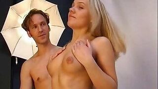 CastingPorno mit 18j Schlampe Creampie